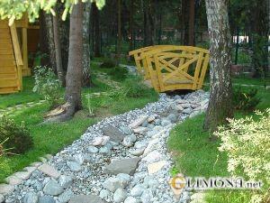Что нужно учесть при создании сухого ручья на своём участке