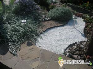 «Сухой ручей» — популярный элемент садового дизайна
