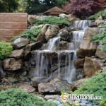 Искусственный водопад придаст неординарности вашему участку