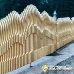 Забор с декорациями