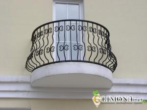 balkon-francuzskij